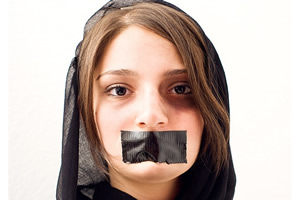 Erlaubt der Koran Frauen zu schlagen?